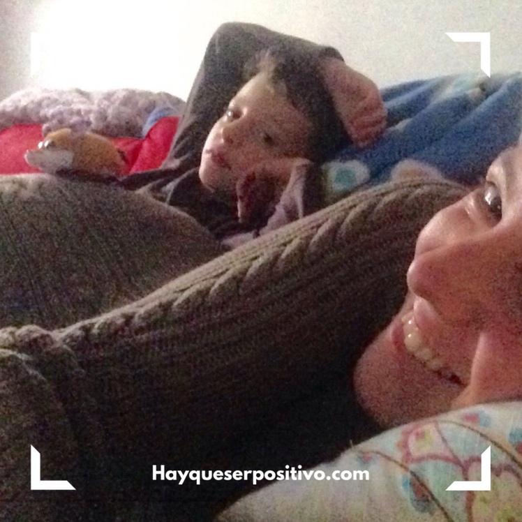 Felicidad en familia (en el sofá)