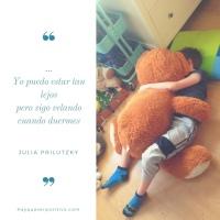 A la nueva familia, a la felicidad: Tú duermes... Poema de Julia Prilutzky Farny